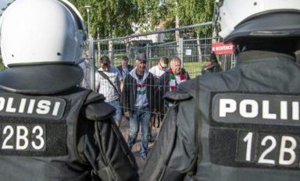 """Terrore in Finlandia, 2 morti in un attacco. L'attentatore ha gridato """"Allah Akhbar"""""""