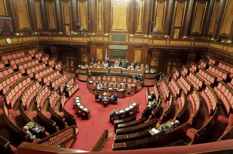 Def arriva in parlamento rischio senato servono 161 voti for Parlamento senato