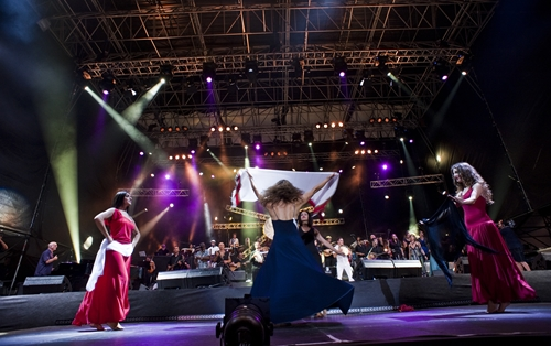 Notte della Taranta, a Melpignano si prepara concertone del 26