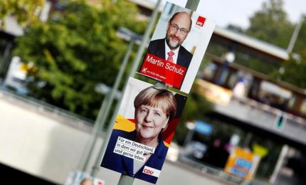 Germania alle urne per il nuovo cancelliere. Duello Merkel-Schulz: in 30 milioni davanti la tv