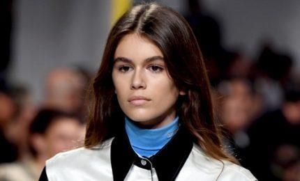 Moda, Calvin Klein porta in passerella figlia di Cindy Crawford
