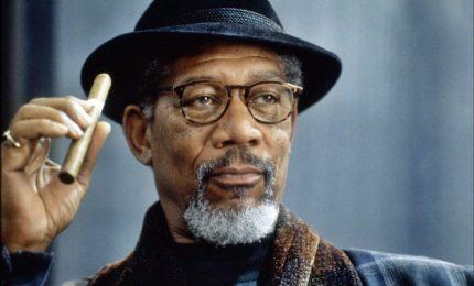 Morgan Freeman dichiara guerra alla Russia. Cremlino: un esaltato
