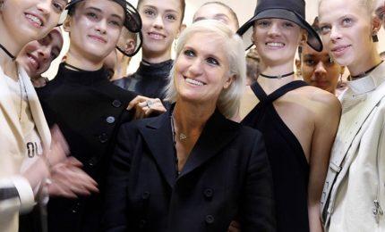 Moda Parigi, Dior celebra il genio e la bellezza delle donne Esteri