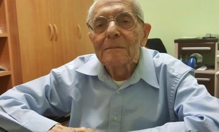 Padre Stefanizzi compie 100 anni, ex direttore Radio Vaticana