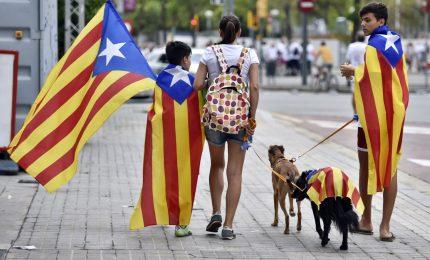 """""""Mina"""" Catalogna, separatisti confermano voto domani. Madrid dice no e manda polizia"""
