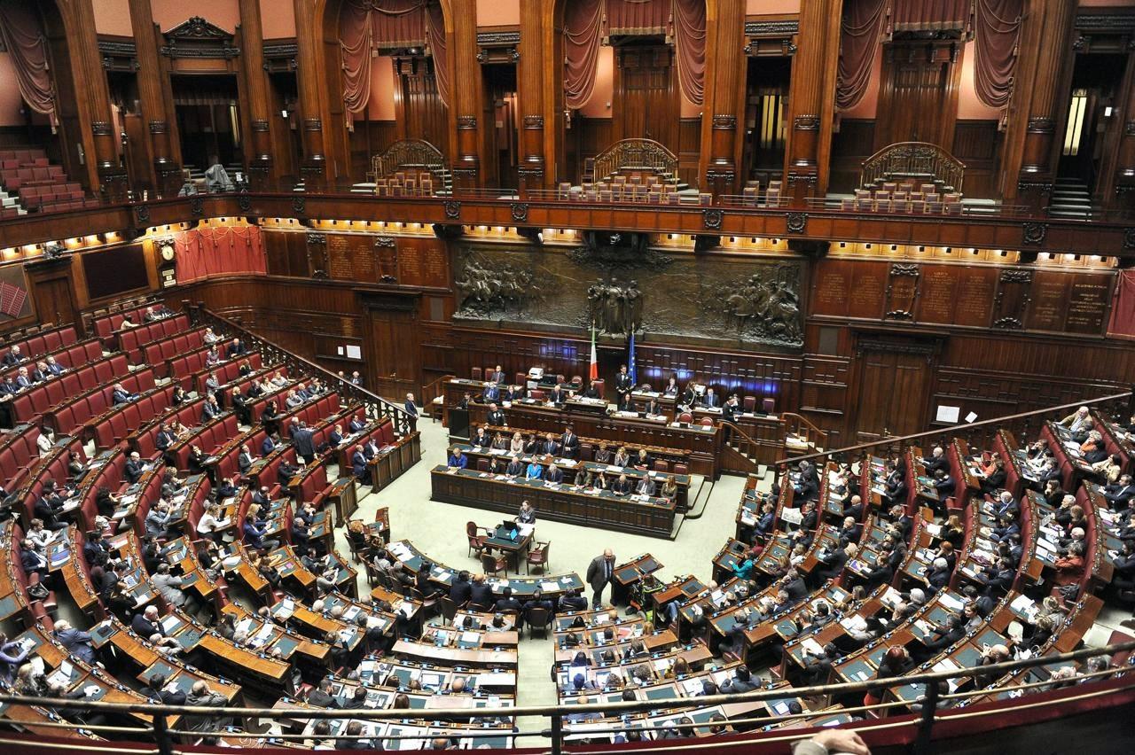 Ufficio presidenza Camera approva taglio vitalizi ex deputati