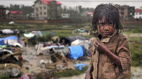 I monsoni devastano Paesi asiatici: 1300 morti