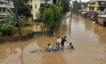 Monsoni record in Asia: 1.200 morti, milioni di sfollati