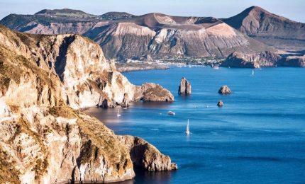 Piena stagione turistica, migranti approdano a Lipari. Paura tra gli isolani