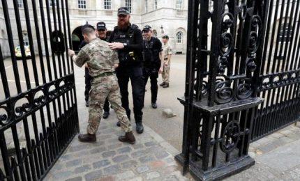 Due arresti per bomba metro Londra, 18enne era già stato fermato 15 giorni fa