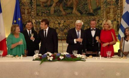Grossa grassa visita di Emmanuel e Brigitte Macron