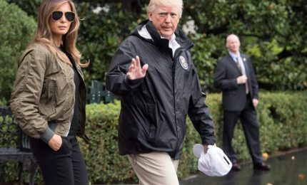 Melania e Donald Trump in Florida dopo l'uragano
