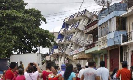 Terremoto in Messico, si temono fino a 1000 vittime. Sotto le macerie una scolaresca
