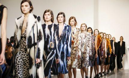 Tom Ford apre Fashion Week di Ny: la sua donna cool e potente