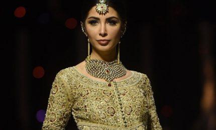 Pakistan Fashion Week, il glamour sbarca a Karachi