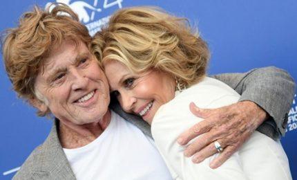 Jane Fonda e Robert Redford illuminano il red carpet