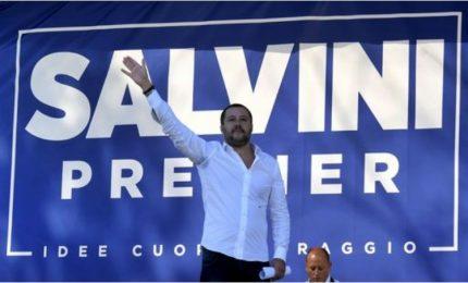 """Lega, Salvini parla da candidato premier e """"archivia"""" Bossi"""
