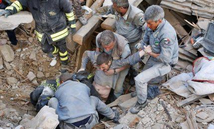Regione Lazio replica a Pirozzi: informato su fondi sms terremoto. Sindaco Amatrice in Procura