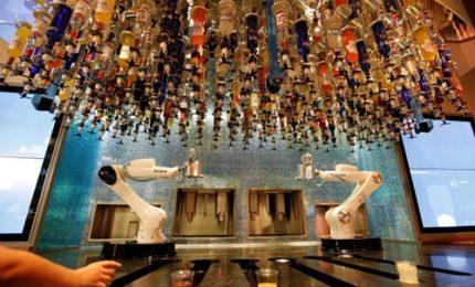 Il robot barman tutto italiano che fa impazzire Las Vegas