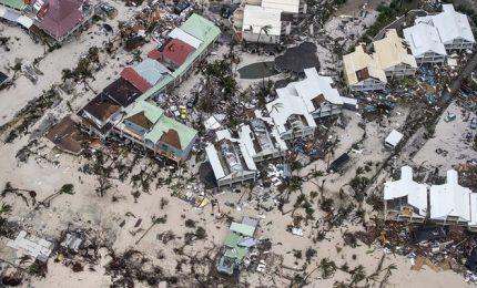 """A Cuba evacuati oltre 51 mila turisti, almeno 22 morti. Trump: """"Irma tempesta epica"""". Ora l'uragano punta la Florida"""