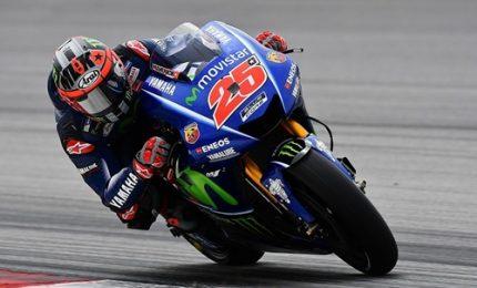 Vinales batte Marquez, per Rossi ritiro veloce