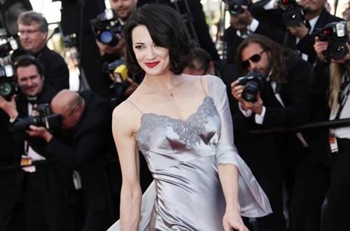 Asia Argento pubblica sui social l'elenco delle 82 vittime di Weinstein