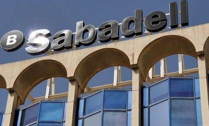 La Catalogna perde i primi pezzi, banche in fuga. Incubo rating