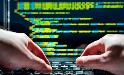 Cybersecurity, centinaia italiani intercettati da software spia