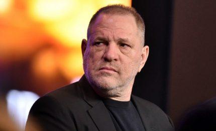 Weinstein in tribunale per accuse di violenza su una terza donna