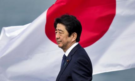 """Shinzo Abe, premier """"predestinato"""" vuole riforma della Costituzione"""