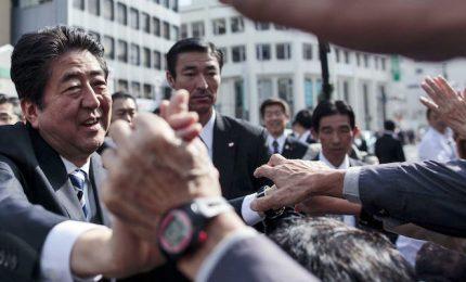 Abe stravince, plop per governatrice di Tokyo salutata l'anti-premier