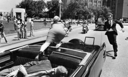 Omicidio di John F. Kennedy, Trump deciderà se svelare atti segreti. Innumerevoli teorie, migliaia di pagine