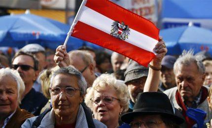 Seggi aperti in Austria, tutti scommettono sul giovane Kurz cancelliere