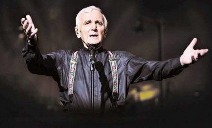 Instancabile Aznavour, a 93 anni in concerto a Milano