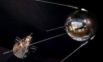 60 anni fa lo Sputnik in orbita: si scatena la corsa allo spazio