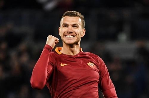 """Dzeko rinnova con la Roma fino al 2022: """"Questa è casa mia"""""""