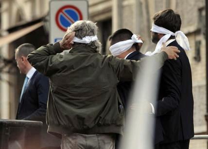 M5s in piazza contro Rosatellum. Grillo: qui per tutto il popolo