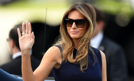 Melania Trump ha una controfigura, il filmato incriminato dell'apparizione di Donald e la first lady