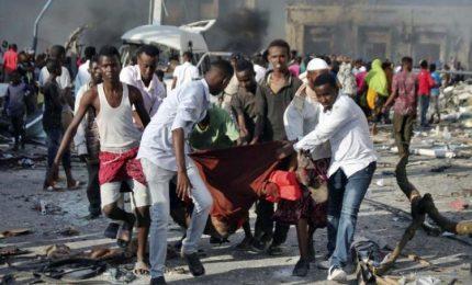 Somalia, camion bomba fanno strage: 276 morti e 300 feriti