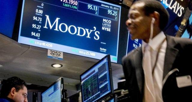 Voci su deficit al 2,3%, risale lo spread. Moody's taglia le stime di crescita
