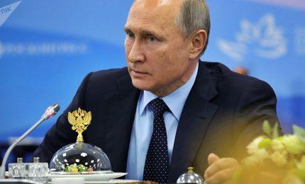 Putin verso quarto mandato, per i sette candidati non c'è speranza