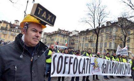 Stop scuola, treni, aerei e taxi