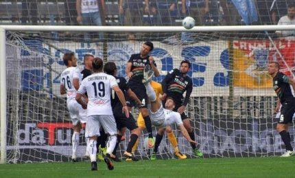 Il Venezia piega 1-0 l'Empoli e vola in testa. Il Novara vince 2-0 a Palermo