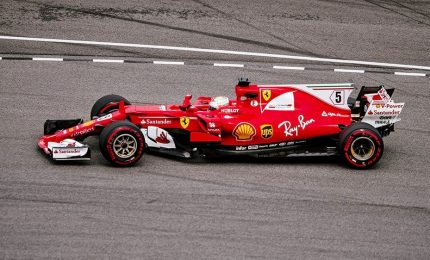 Max Verstappen vince il Gram Premio. Incidente Vettel-Stroll dopo traguardo