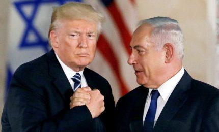 Israeliani e palestinesi attendono piano di pace di Trump