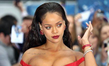 """Rihanna diffida Donald Trump: """"Non usare la mia musica ai comizi"""""""