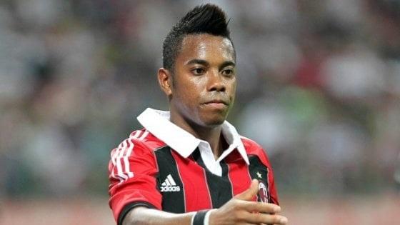 Violenza sessuale: 9 anni di carcere al calciatore Robinho