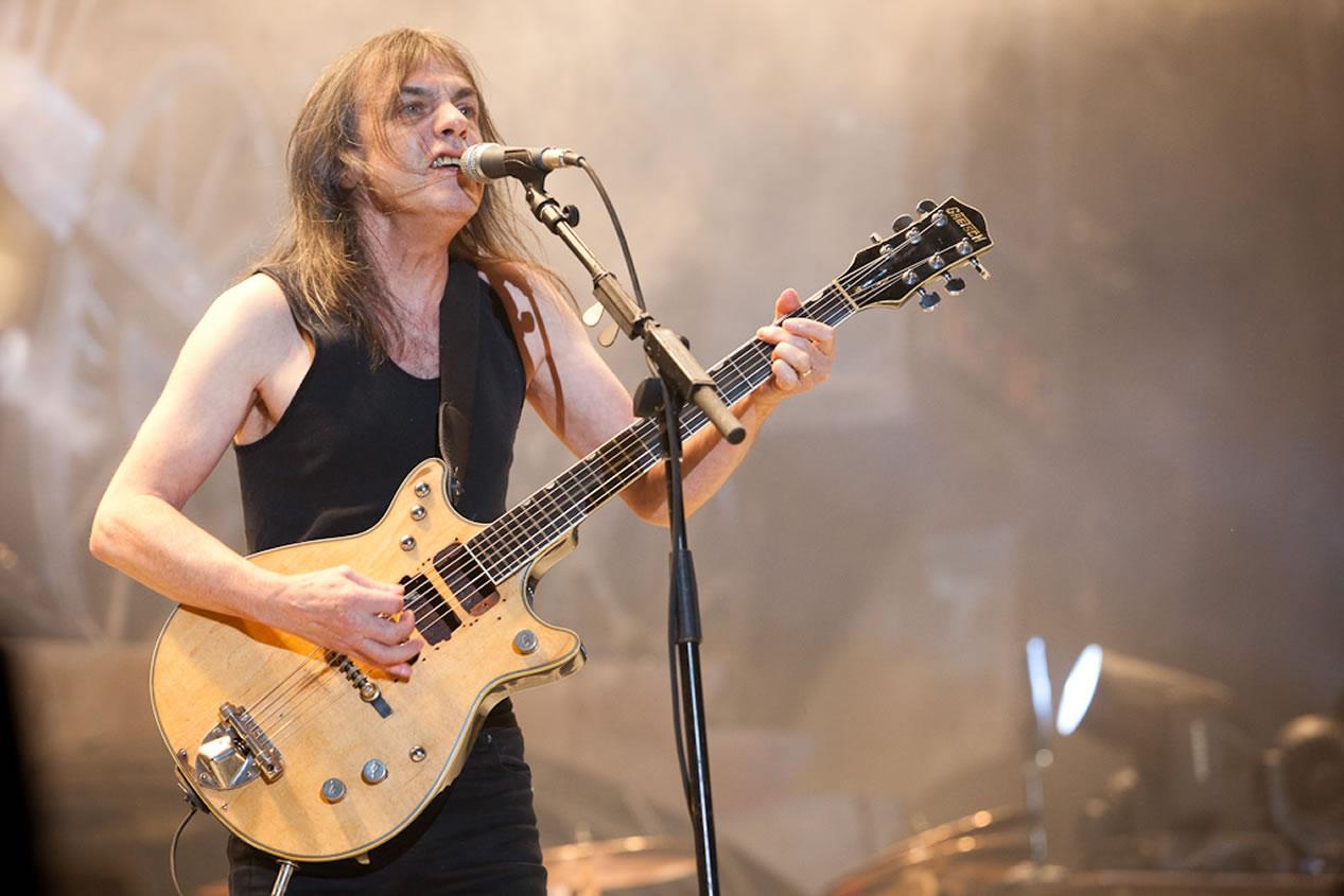 Addio a Malcolm Young, uno dei padri degli AC/DC