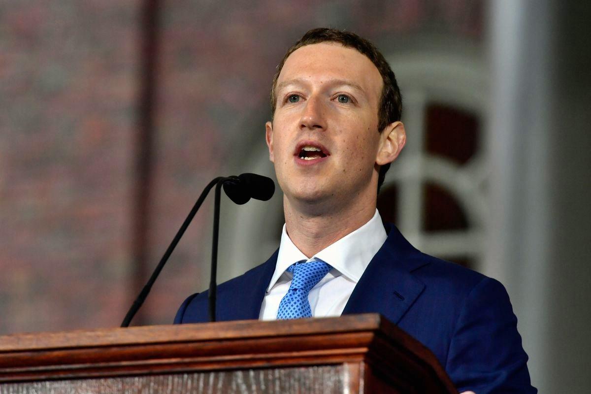Facebook denuncia ingerenze anche russe in elezioni Usa, Zuckerberg vara stretta