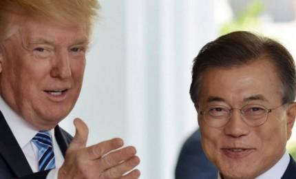 """Trump apre a Nordcorea, ma lancia pesanti minacce: pronti """"3 portaerei e 1 sottomarino"""""""
